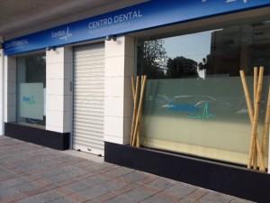 Clinica dental milenium sanitas en fuengirola adaequatio - Fachadas clinicas dentales ...
